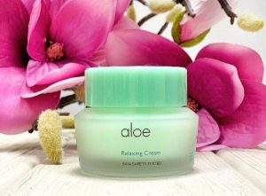 It's Skin Aloe Relaxing Cream with flowers